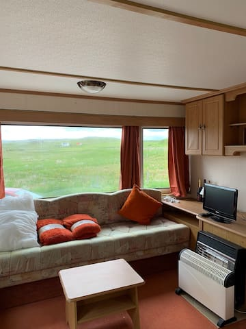 5 berth Comfy Caravan Secluded  3 bedroom caravan