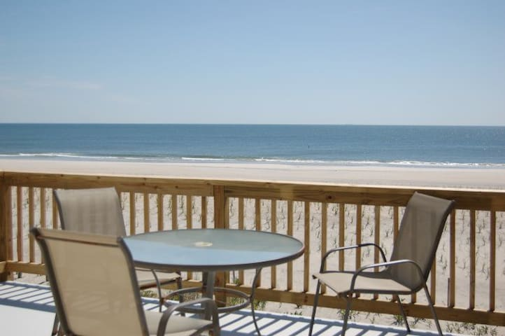 LBI oceanfront with 2 oceanfront decks, 2 floors - Harvey Cedars