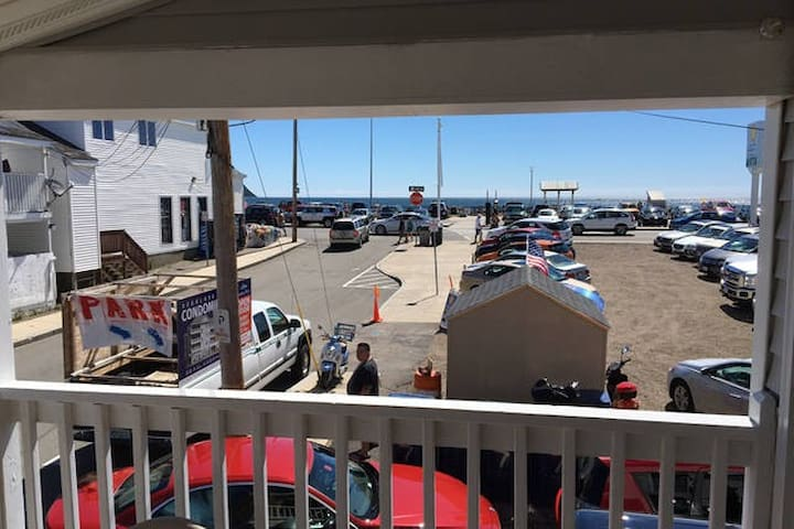 6 BR, 2 Full Bath, AC, W/D, Grill, Ocean Views! - Hampton - Apartemen