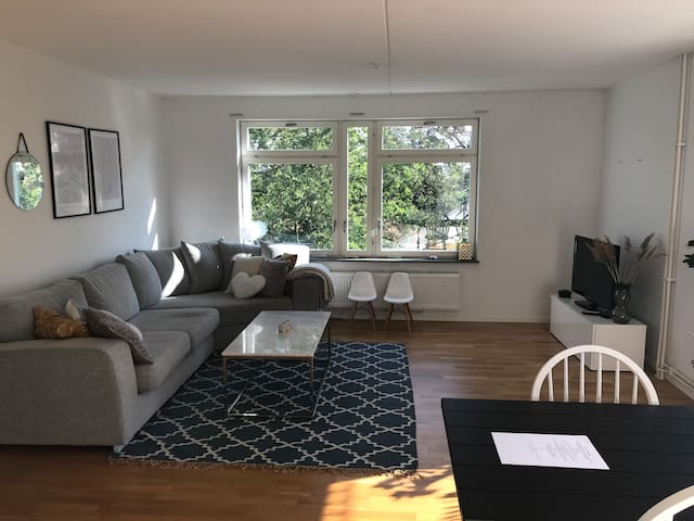 APARTMENT WITH 2 BEDROOMS 15 MIN FROM STOCKHOLM C