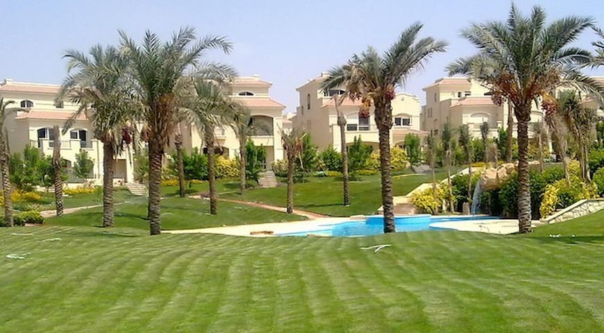 Luxurious and Fully Serviced Villa - New Cairo City - Haus