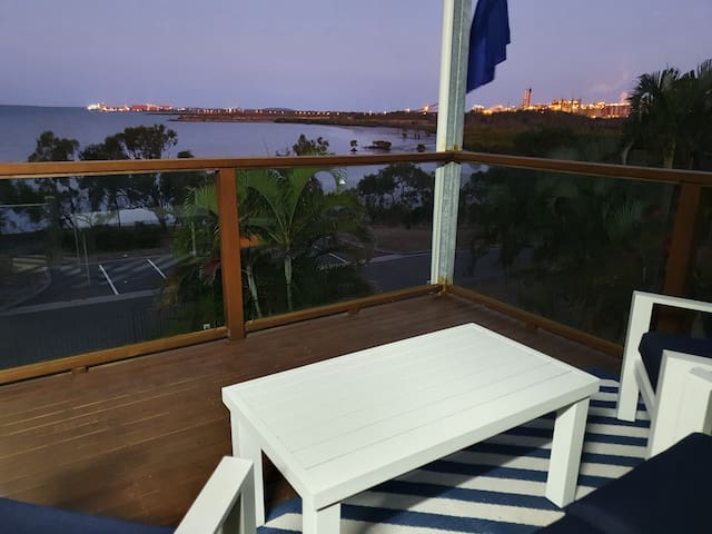 Jan's petfriendly harbourfront with fantastic view