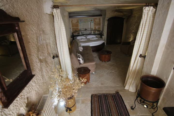 Happy Cave House - Private Apartment 2