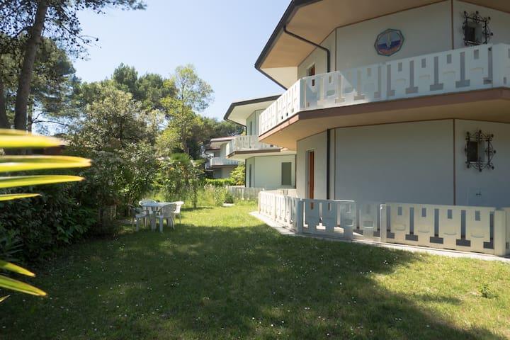 Villa vicino alla spiaggia libera e faro - Bibione - Casa