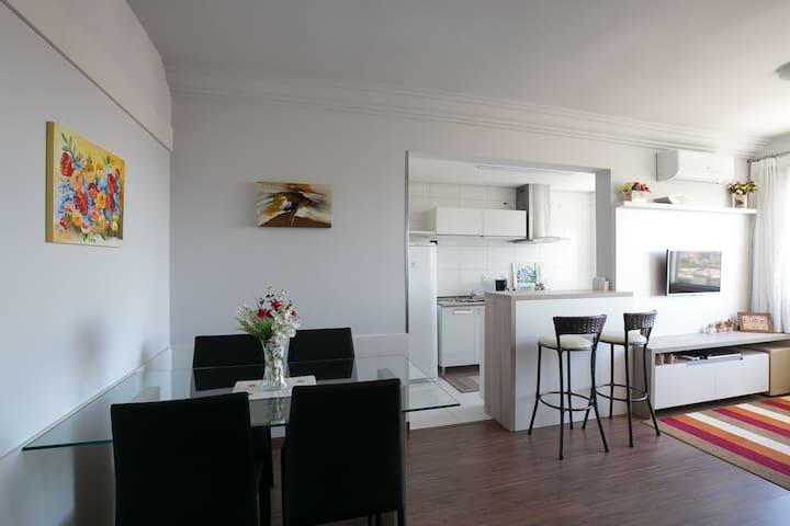 Moderno apartamento para casal ou single