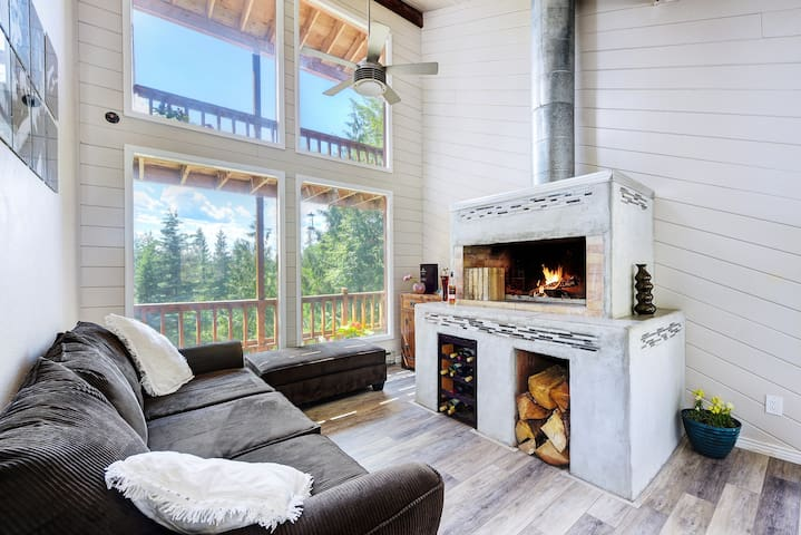 Luxury rooms, Sauna, close to Ski Lifts &  Trails