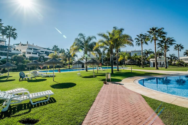 2 bed apartment in fantastic urbanisation-LCR5 - Marbella - Apartment