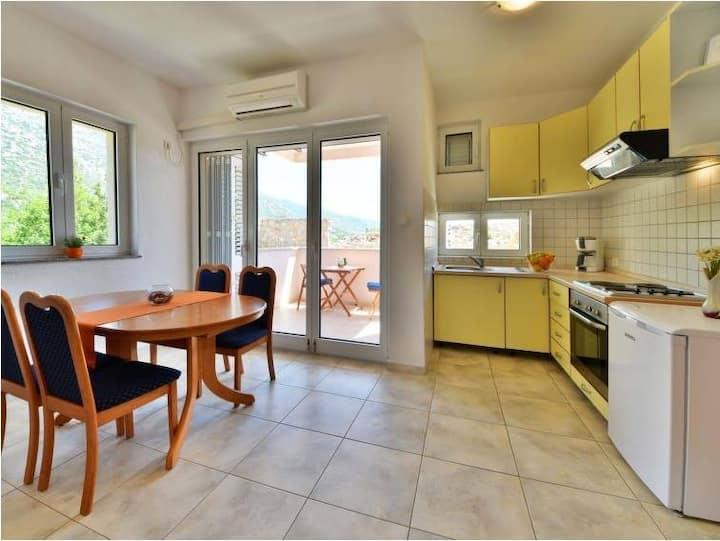 Sunny,sea relax,peaceful holiday-Apartments Golub