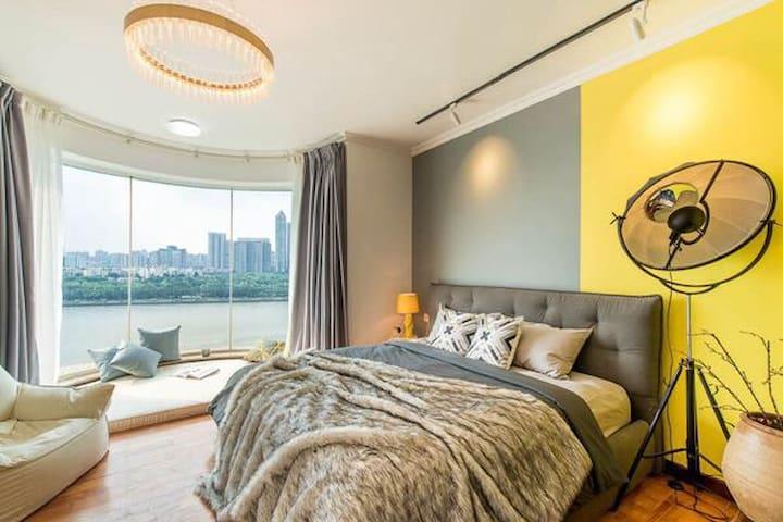 【路客】『星河梦幻湾』270°江景|落地窗丨广州塔&地铁&码头|投影|海心沙|二沙岛三居