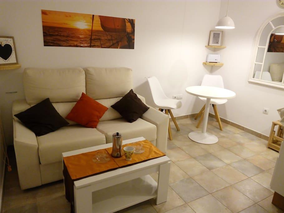 Salon con sofa cama de 1,10mts