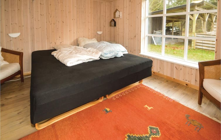 Holiday cottage with 5 bedrooms on 77m² in Højslev