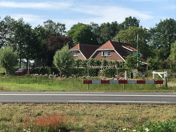 Gemoderniseerde woning, landelijk gelegen
