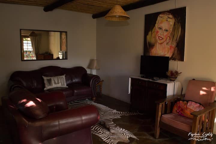 Anna Sophia Self-catering - Karoo Lodge Cottage