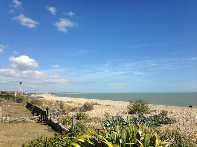 Family home on the beach - Pevensey Bay - Casa