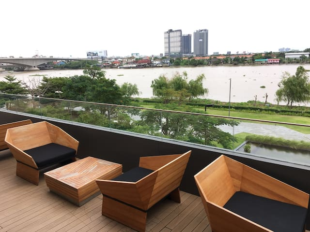 river view hi-rise condo. superb faci. 30day min
