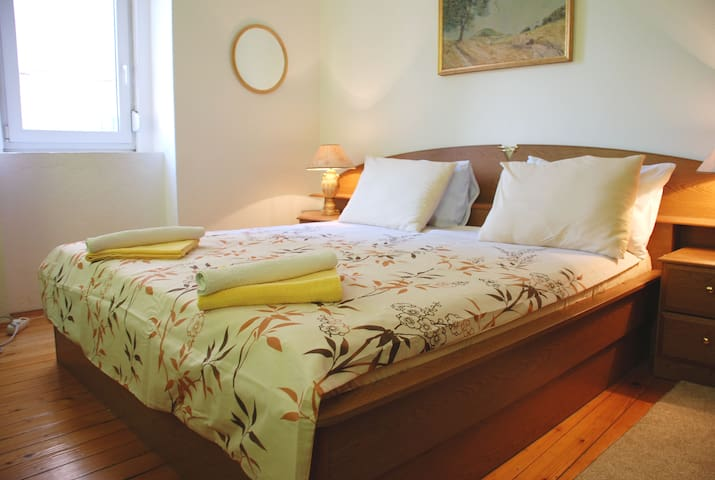 Comfortable KING Double room in central Mostar