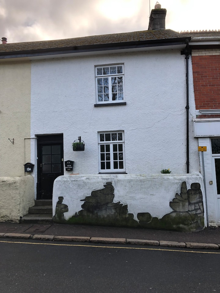 Lovely Character Cottage in Heart of Bovey Tracey