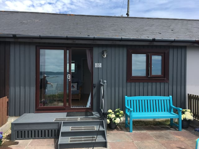 Becalmed at Bovisand - Stunning Sea Views, On The Beach, Area of Oustanding Natural Beauty. Set on a private estate with 3 beaches, cafe and shop and on the South West Coast Path.