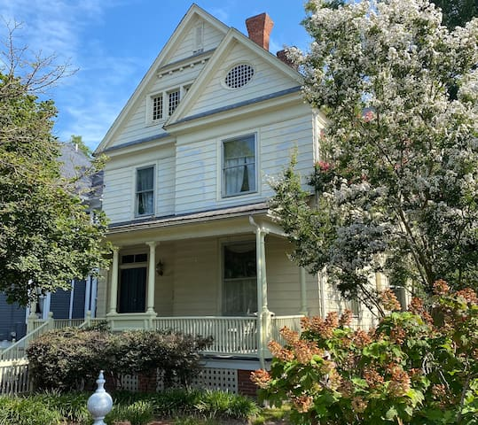 1915 Victorian Home