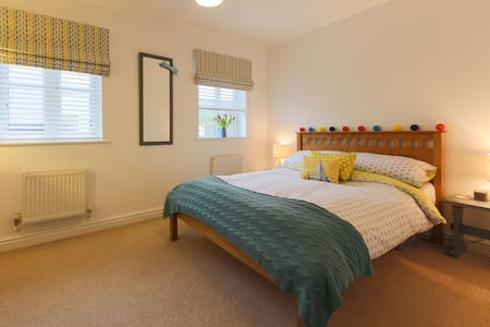 Modern Double Room Nr Eden Project - Cornwall