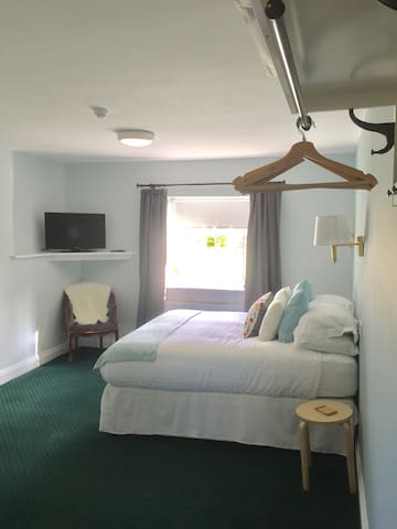 Carswell Golf Club Bed and Breakfast Room 4