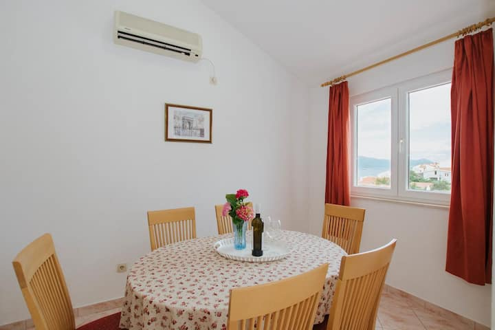 Three bedroom apartment with balcony and sea view Mastrinka, Čiovo (A-11283-b)