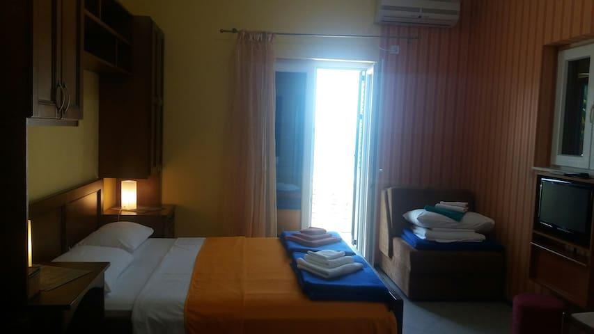 Apartment in the quietest part of Herceg Novi - Herceg - Novi