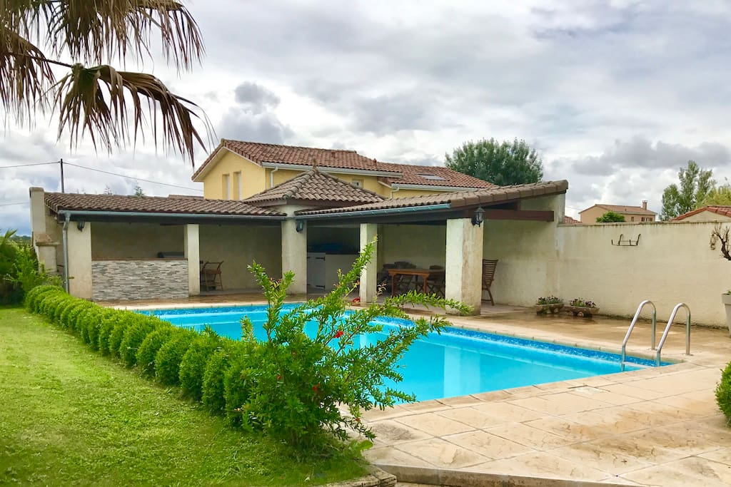 Pigeonnier Green Residential Swimming Pool Houses For Rent In Plaisance Du Touch Occitanie