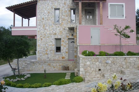 """The Stone countryside Villa in Corfu"" 1-4 persons - Agios Vasilios - Σπίτι"