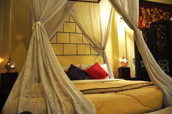 Luxurious double bedroom in Sukhothai