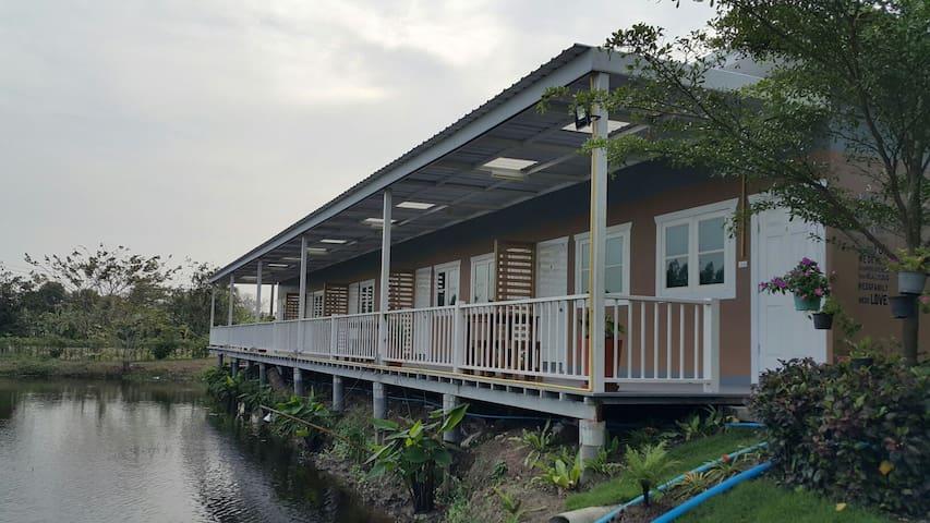 BAAN PURITA  Boutique Resort - Bang Khanak - Bed & Breakfast