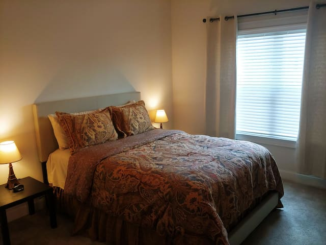 Beautiful & Spacious Exec. Rm#2 & Bath, Dallas, Ga