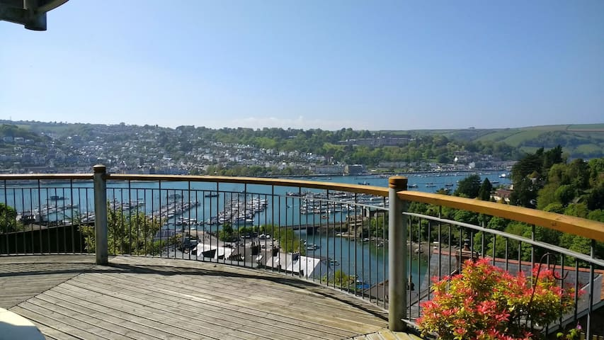 4 bedroom house with fantastic views of River Dart