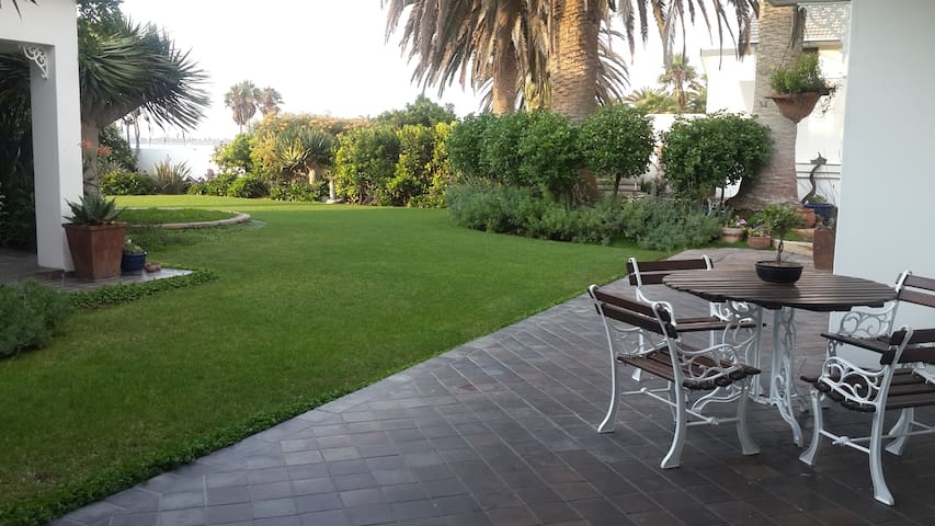 Haus Schaaf B&B - Walvis Bay - Szoba reggelivel
