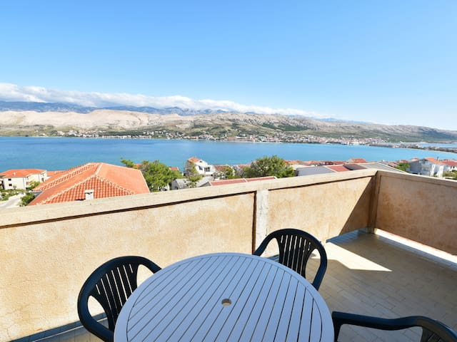 Holiday apartment with balcony and sea view Branka