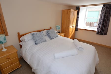1 bedroom central apartment, Lerwick