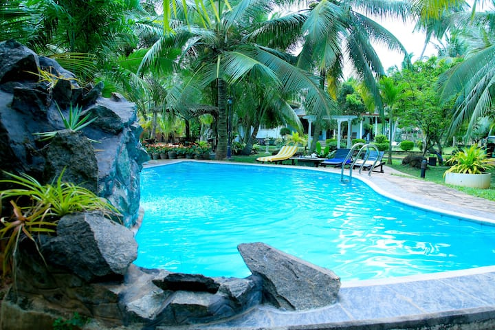 The Villa Thalkatuwa