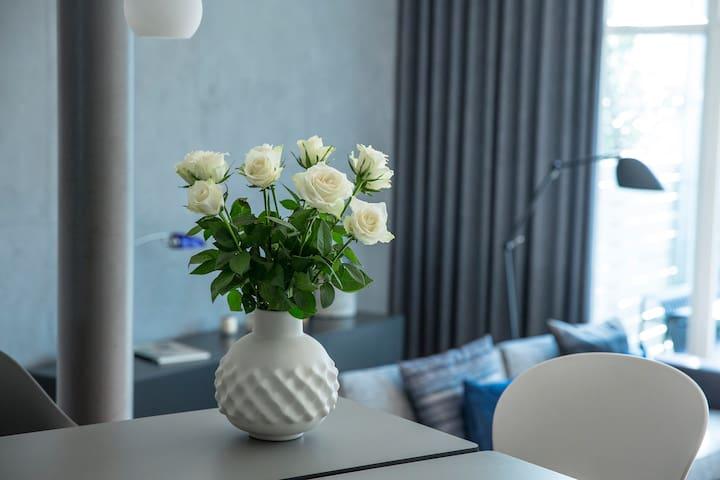 1 or 2 Design-Rooms / Garden / Breakfast