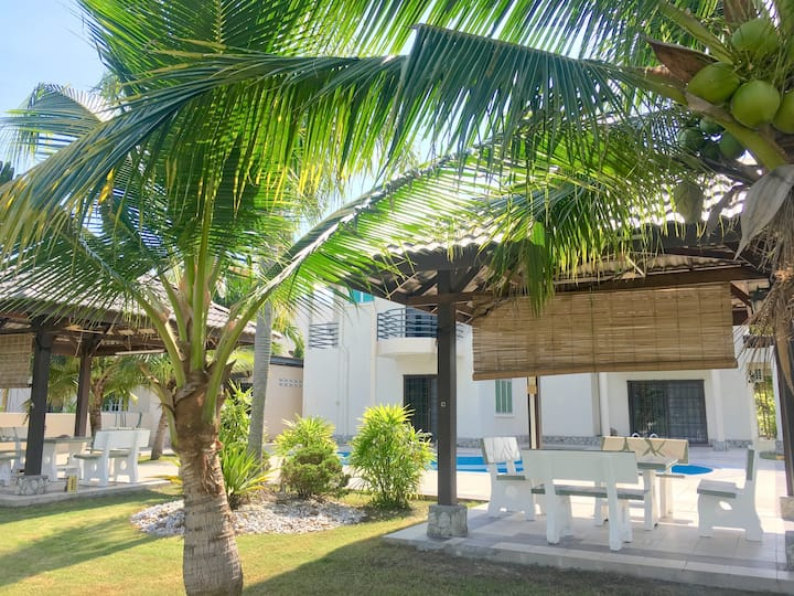 Bungalow Private Pool nearby Aeon Manjung