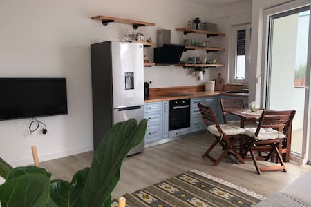 Edera Apartment, White Rocks Village