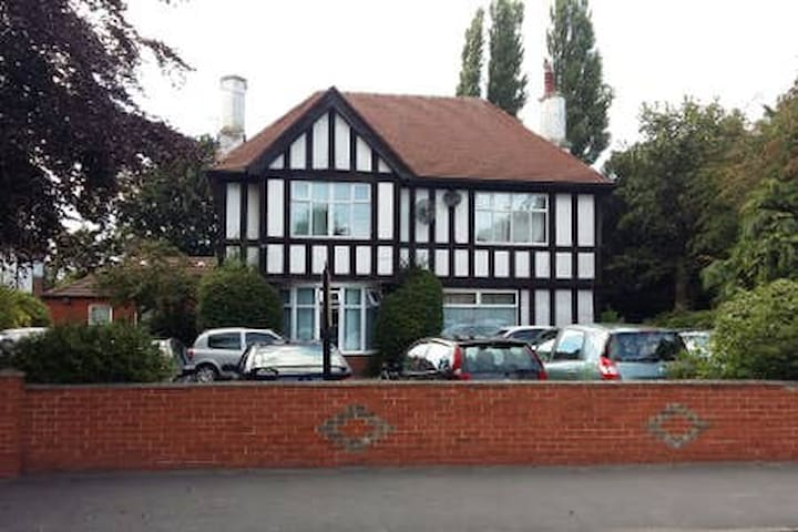 Abbey Lodge serviced Accommodation