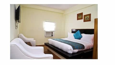 Hotel Aravali Heights Standard Room
