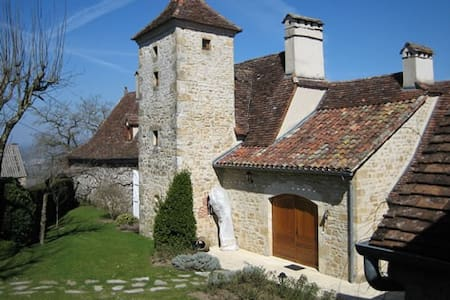 Manoir de Rieuzal - Loubressac - Bed & Breakfast