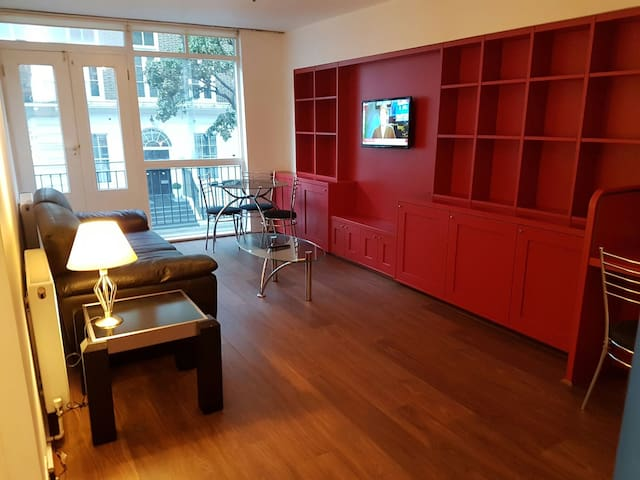 ❤️RUSSELL SQUARE -GOSH Large FLAT CENTRAL LONDON