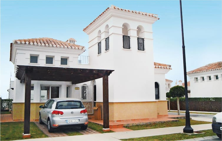 Holiday cottage with 2 bedrooms on 87 m² in Roldán