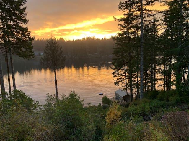 Woahink lakefront in Florence Oregon