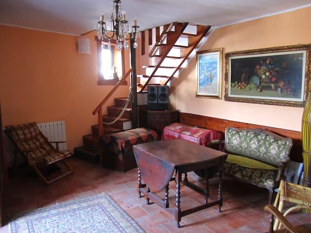 SPLENDIDA VISTA SULLE COLLINE - Lirio - Dom