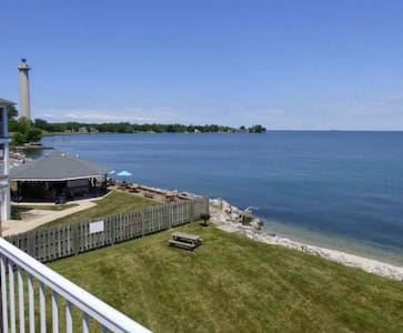 Put-in-Bay waterfront top-floor condo