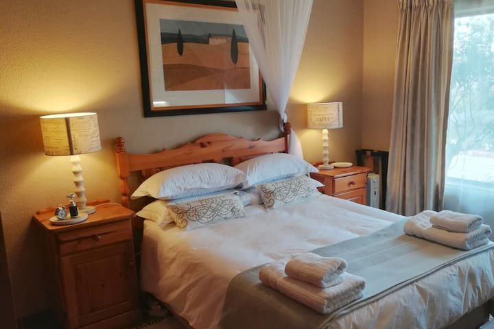 Country stay - Leccino Room - near Johannesburg