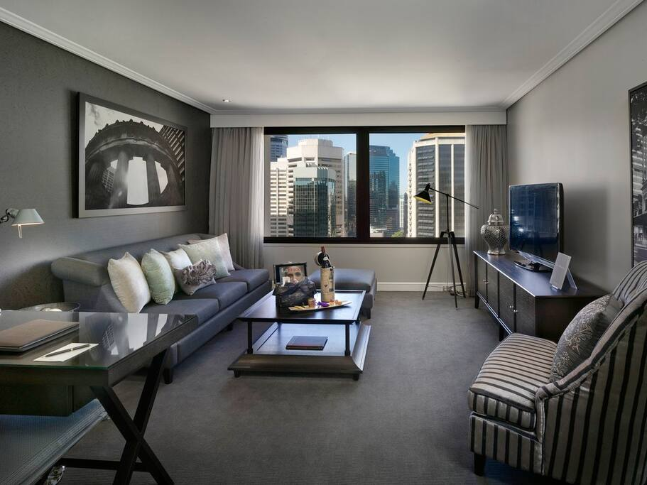 63 sqm elegant suite, separate bedroom / lounge room